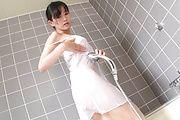 Manami Komukai erotic bathroom stroking blowjob Photo 5