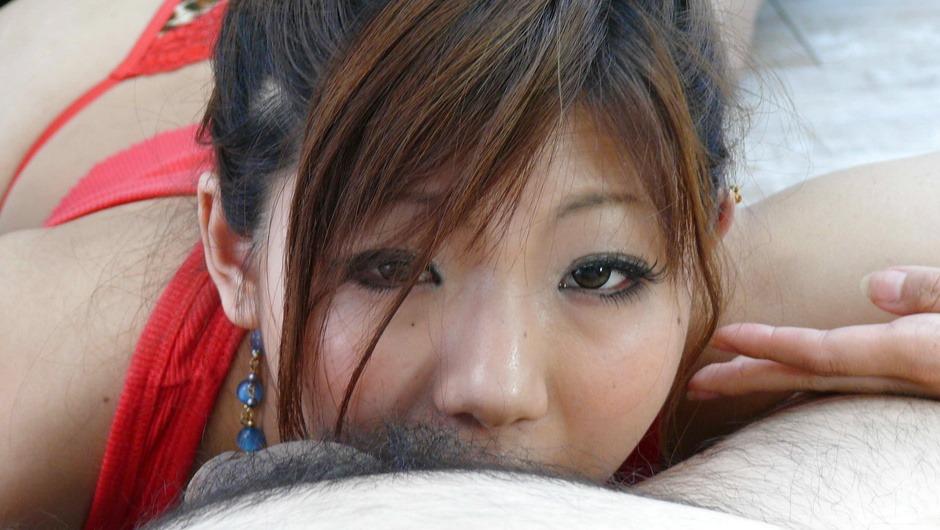 Mahiru Tsubaki opens her mouth for cock in asian POV
