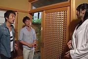 ハメ潮スプラッシュ~人妻熟女葵千恵 Photo 2