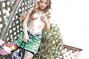 Big tits Japanese babe loves having oral pleasures Photo 9