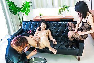 Saya Fujimoto posing her shaved pussy on cam