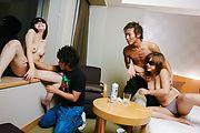 素人二人組愛弥&梨緒~ホテルで4P姦 Photo 8