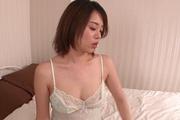巨乳AV女優沙月由奈~ご奉仕フェラ Photo 7