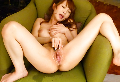 Maomi Nagasawa has a mouthful of cock while squirting