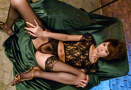 Hot Asian lingerie model goes nasty on cam