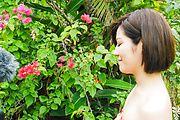 Japanese outdoor blowjob scenes withMinami Asano Photo 5