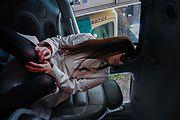 素人巨乳ギャル~車内で口内射精 Photo 10