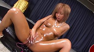 Nasty Asian pussy solo fuck withRiku Hinano