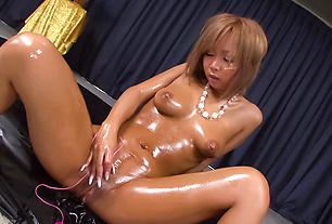 Oily Bronze MILF Riku Hinano Pounds Herself With A Vibrator