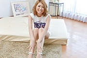 Japanese milf, Kanako Kimura, is in for a steamy show Photo 1