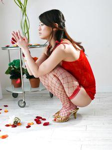 Hina Aizawa-Hina Aisawa on her knees swallows a long and hard shaft Picture 4