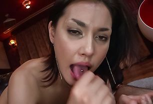 Asian milf makes magic with her moist lips