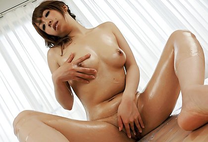 Toys to stimulate babe's hairy Japanese pussy