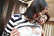 Curvy Mature Hitomi Aizawa Gets DPed And Creamed Photo 12