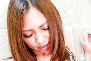 Toys to crack babe's shaved Asian pussy during hot show Photo 11