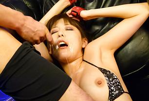 Akari Minamino squirting from toys and getting a facial