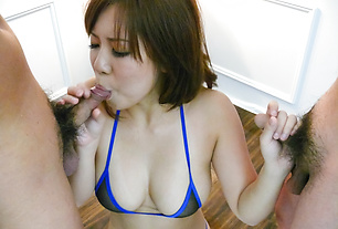 Konatsu Aozona in sexy asian lingerie gives group head